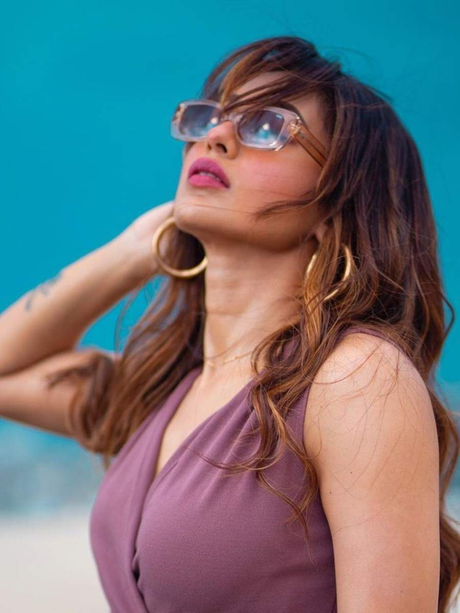 Classy chic pics of Mimi Chakraborty