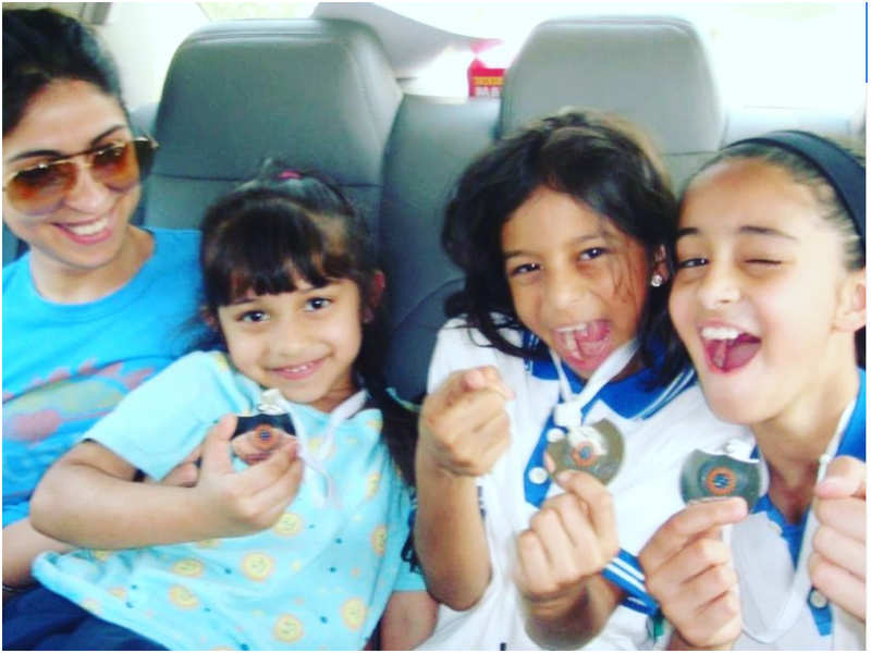 Bhavana Panday shares a throwback picture of Suhana Khan and Ananya Panday from one of the school Sport's Day events