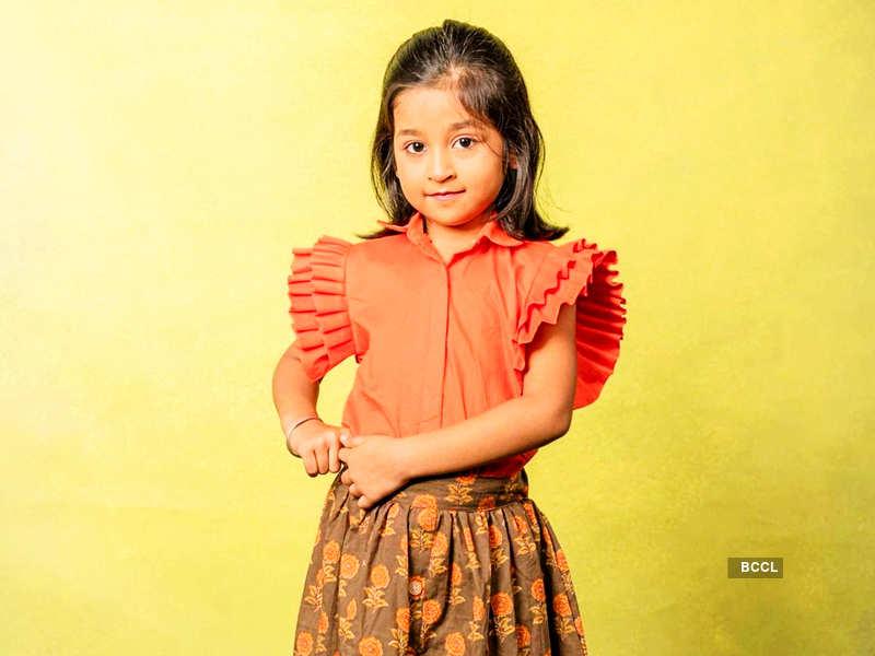 Child artist Aazhiya joins the cast of Idhayathai Thirudathey (Photo - Instagram)
