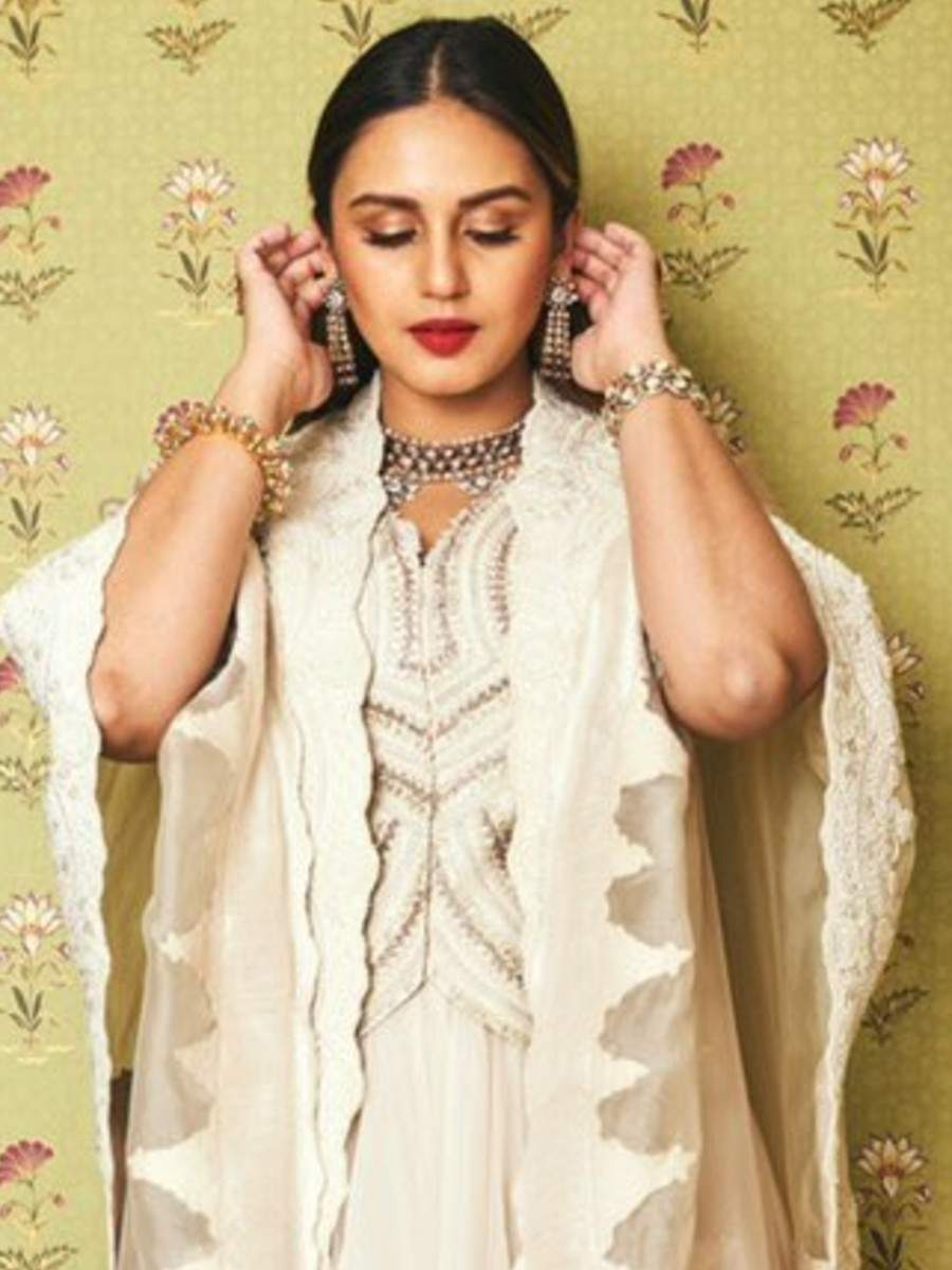 Huma Qureshi's attention seeking pictures