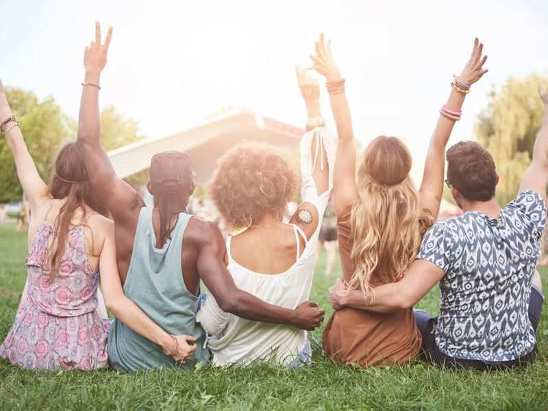 Happy Friendship Day 2021: Wishes, Messages, Greeting Cards, Quotes and Images to share with your friends