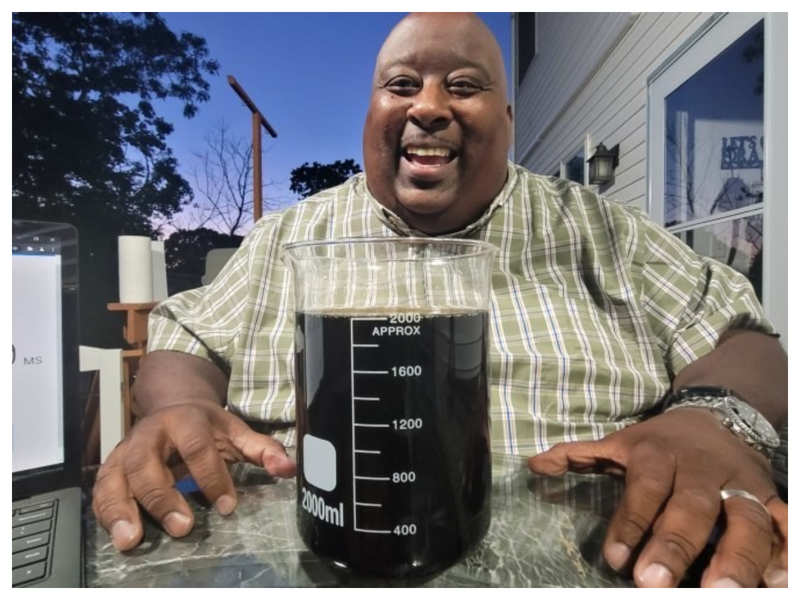 US man drinks 2 litres of soda in 18.45 seconds, makes world record