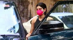 Khushi Kapoor spotted at Khar