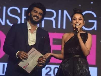 Shehnaaz gets 'Promising fresh face' award