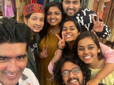 Indian Idol contestants meet Manish Malhotra