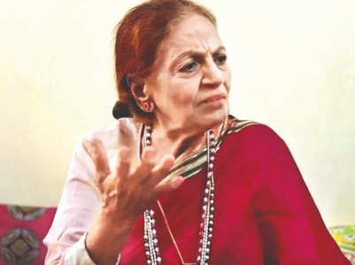 Manisha Koirala's healer visits Savita Bajaj