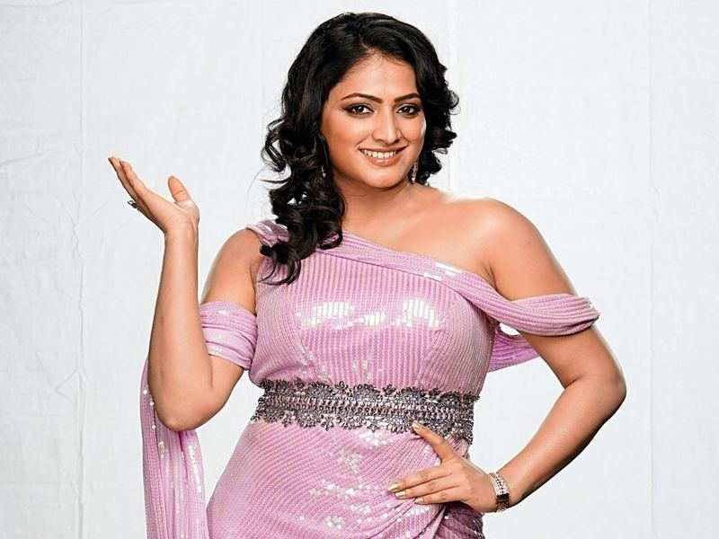 Hariprriya set to foray into television as judge for dance reality show
