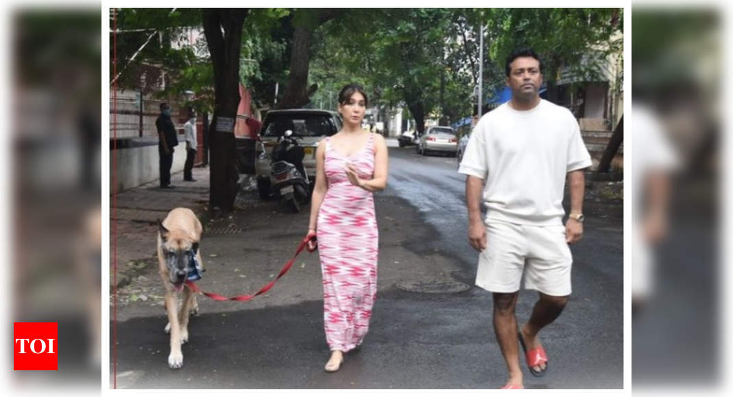 Kim Sharma papped with her rumoured BF