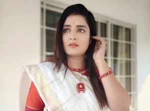 Actress Twarita Chatterjee turns a year older