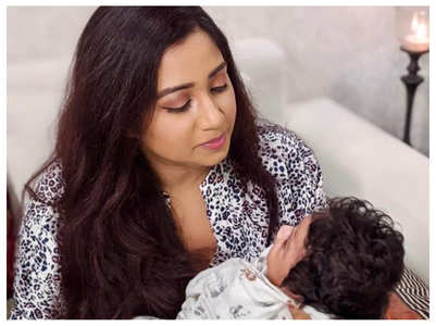 Shreya shares pic with her baby boy Devyaan