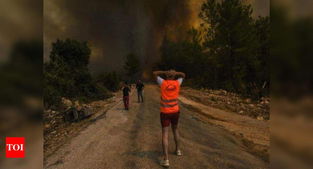 Turkey Wildfires: Turkey battles wildfires for 6th day; 10,000 are evacuated | World News - Times of India