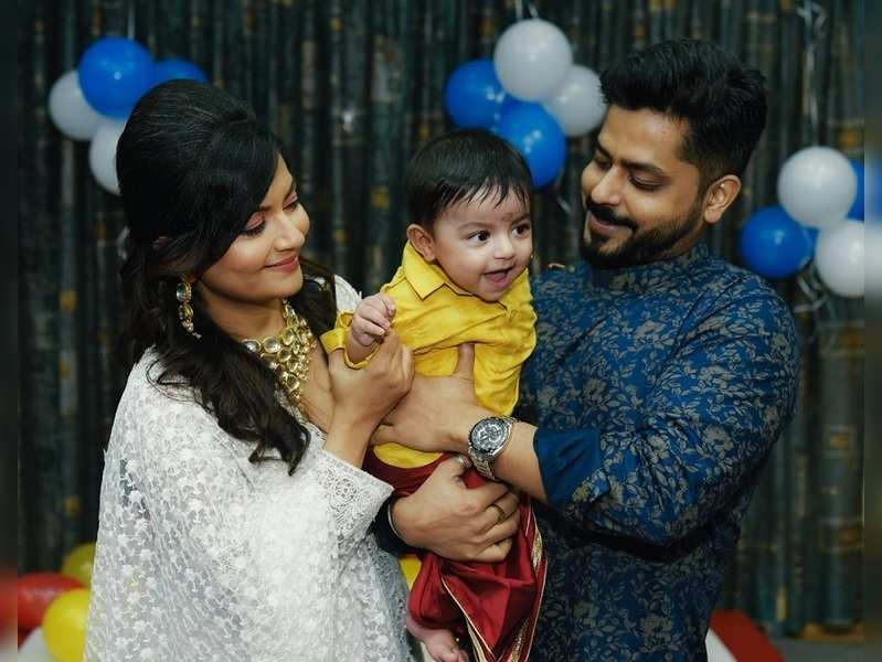 Piyali celebrates son's rice ceremony with family and friends