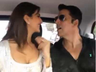 Bell Bottom trailer launch: Akshay gets goofy