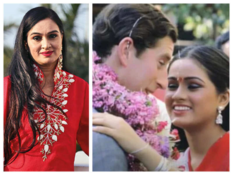 When Padmini Kolhapure was left embarrassed after she greeted Prince Charles with garland and kiss