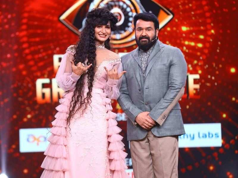 BB Malayalam 3's Dimpal Bhal pens a note for host Mohanlal, says 'Every single compliment made by you is my precious gift'