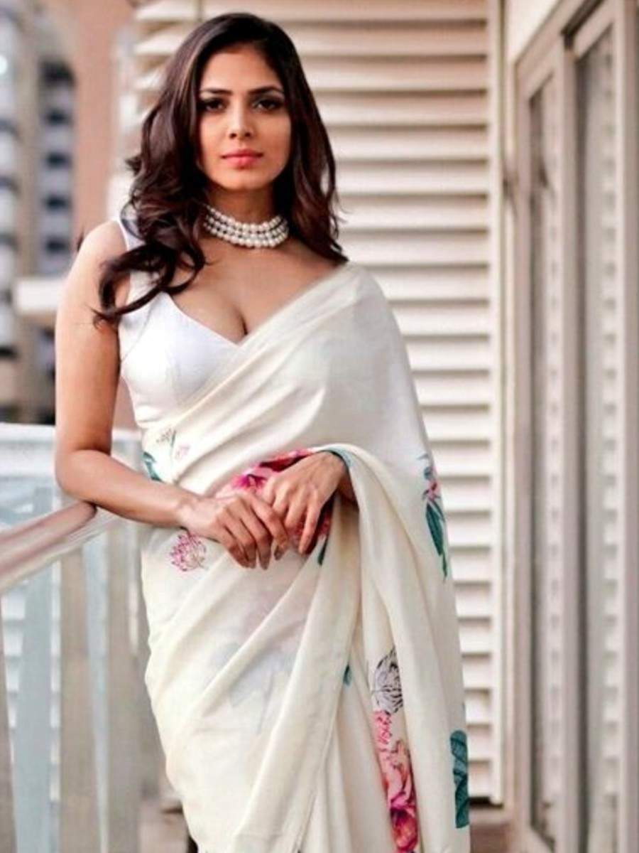 Top pictures of Malavika Mohanan in saree