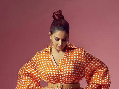 10 Stylish Pictures of Genelia Deshmukh