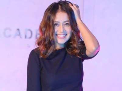 Neha Kakkar unfollows people on Instagram