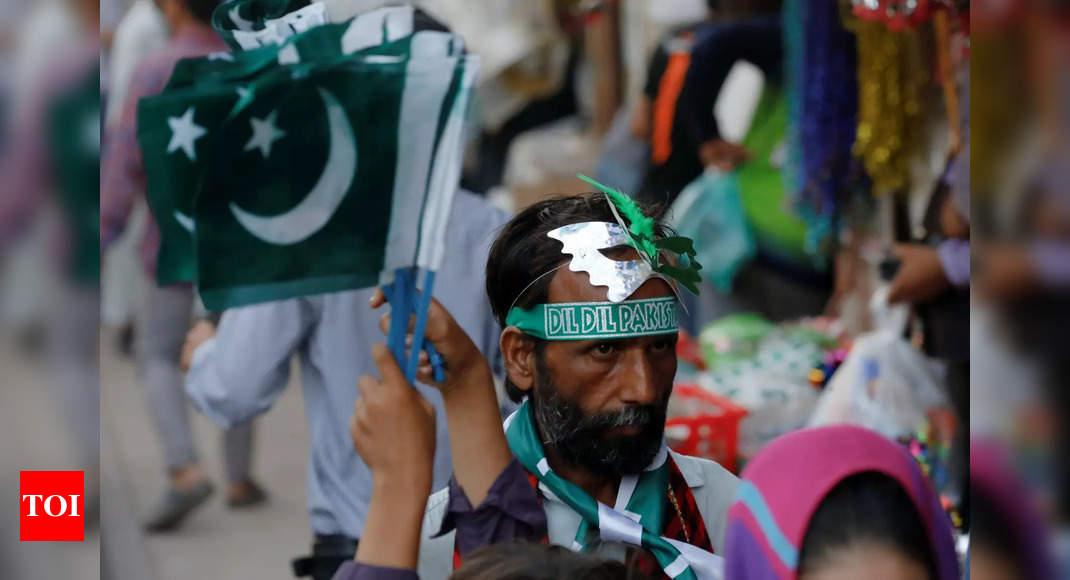 Pak lifts travel restrictions from 11 countries, including India thumbnail