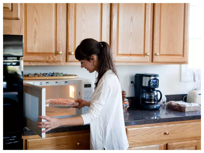 This brilliant hack to reheat food in a Microwave oven will leave you amazed!
