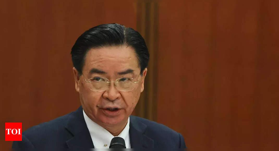 Taiwan: China wants to 'emulate' the Taliban thumbnail