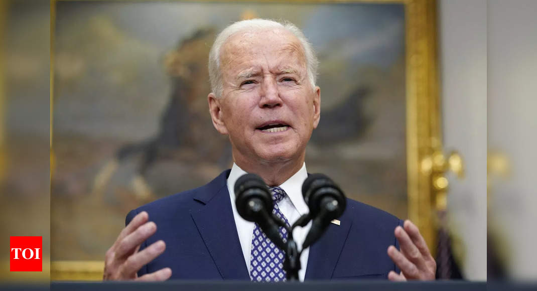 Biden keeps to Kabul Aug. 31 deadline despite criticism thumbnail