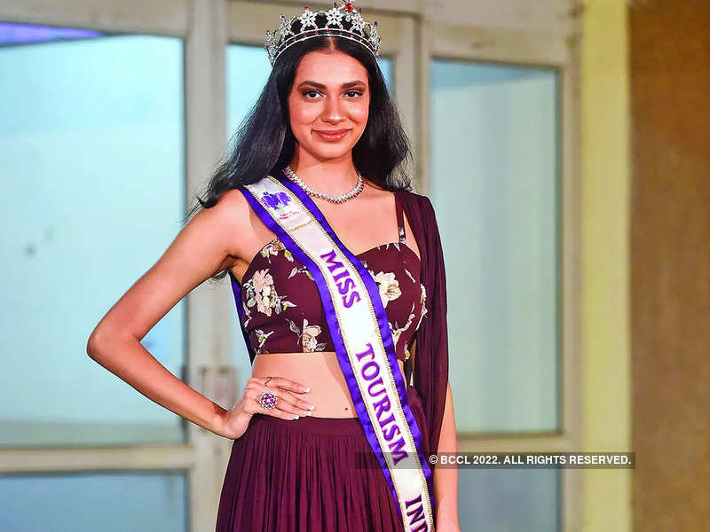 Asmita Chakraborty, Glamanand Supermodel India 2021 first runner-up and Miss Tourism India 2021