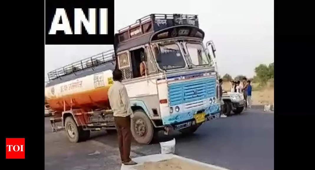 Rajasthan: 11 killed, 7 injured as cruiser collides with truck in Nagaur | Jaipur News – Times of India