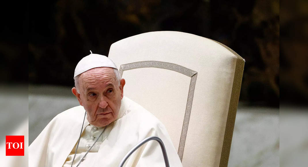 Pope inadvertently quotes Putin to chide West's Afghan war thumbnail