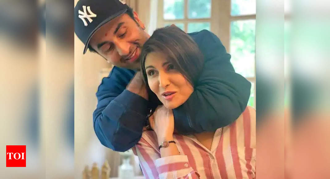 Ranbir gave his sister's clothes to his GFs