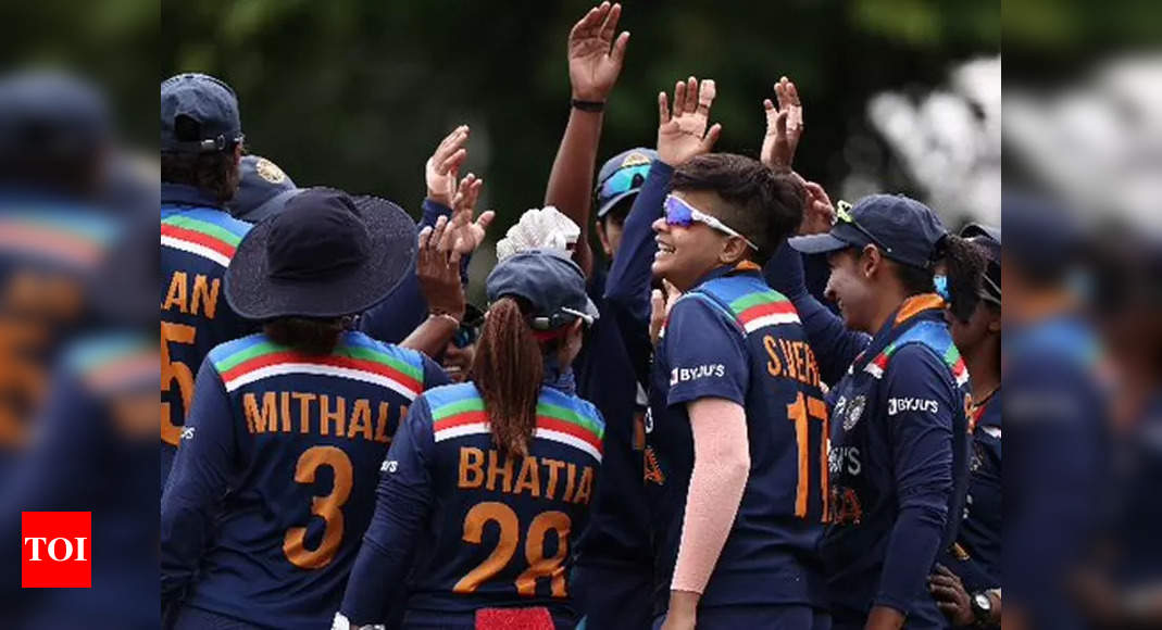 , Indian women's team 'somehow' getting by in 'tiny rooms' of quarantine in Brisbane, The World Live Breaking News Coverage & Updates IN ENGLISH