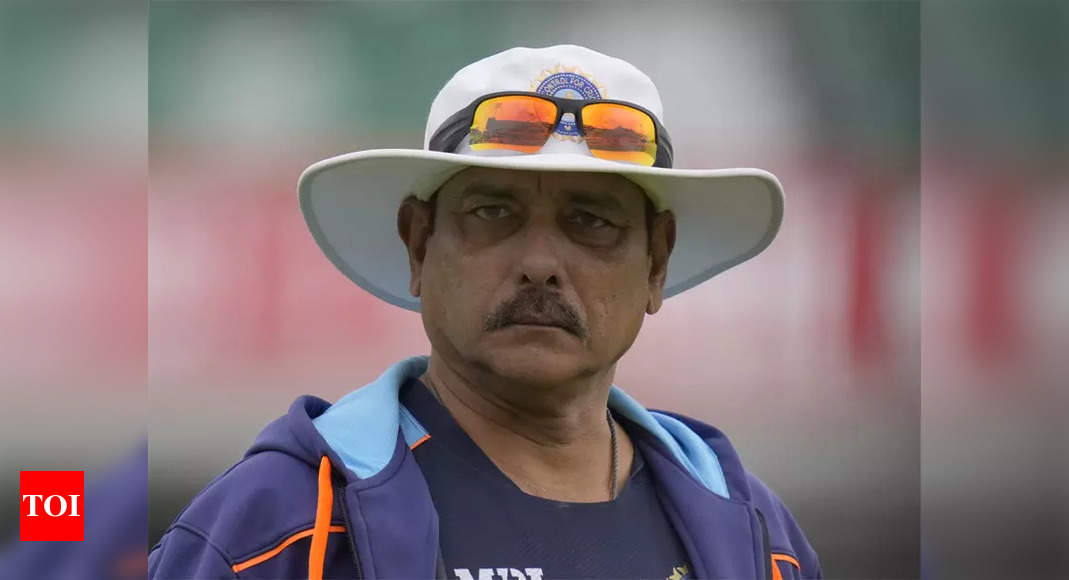 Imran's message to Akram was to bounce the s**t out of me: Shastri | Cricket News – Times of India