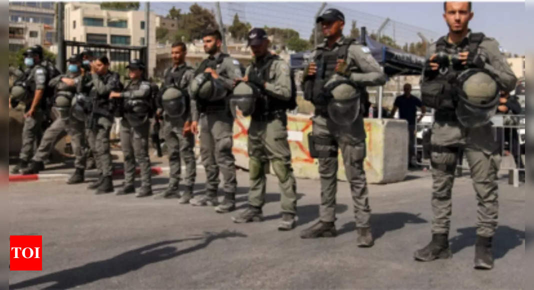 , Israeli troops shoot Palestinian dead in Gaza border clashes, The World Live Breaking News Coverage & Updates IN ENGLISH
