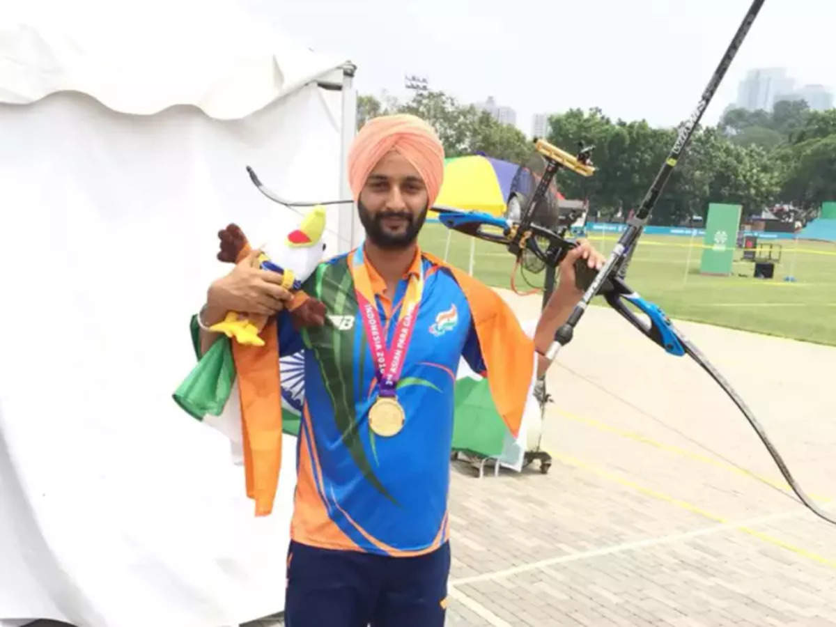 Harvinder Singh Paralympics: Harvinder Singh wins bronze, India's first  archery medal in Paralympics   Tokyo Paralympics News - Times of India