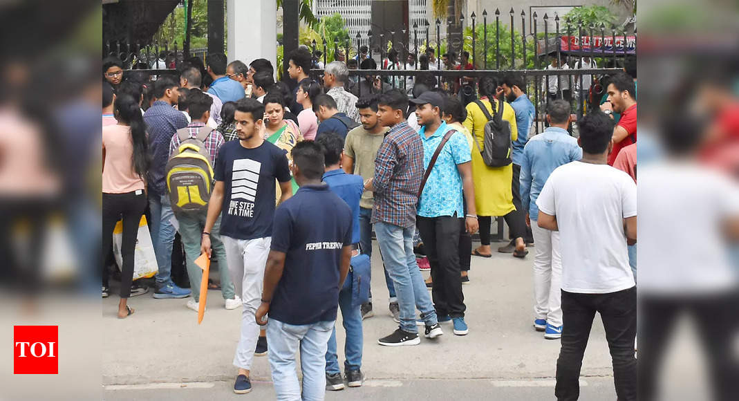 , Students express concerns over admission after high cut-off at St. Stephen college in Delhi, The World Live Breaking News Coverage & Updates IN ENGLISH