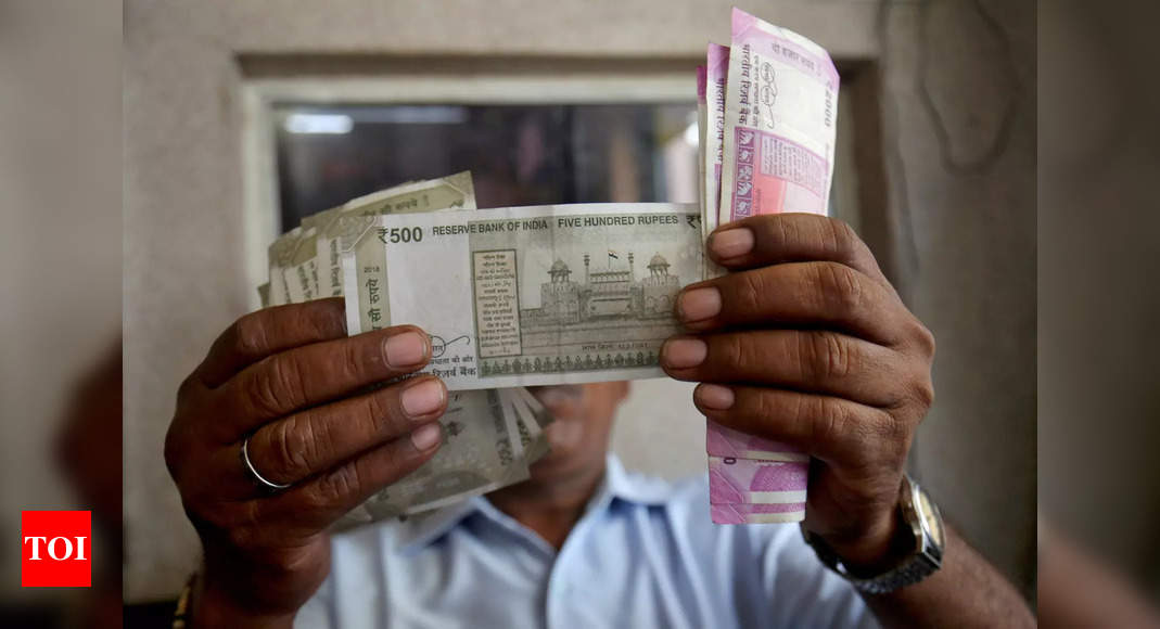 Rupee falls 4 paise to 73.06 against US dollar