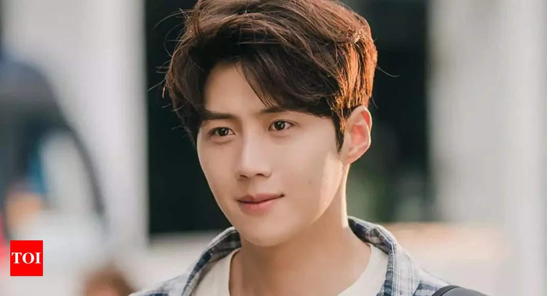 Kim Seon Ho in talks to make his film debut