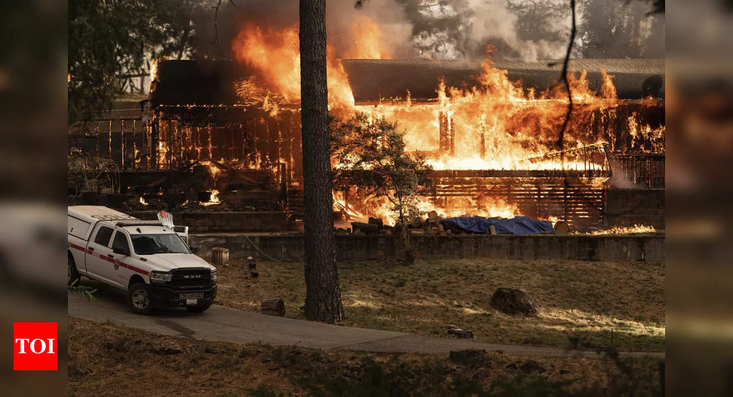 , Rain helps in California fire fight, lightning sparks others, The World Live Breaking News Coverage & Updates IN ENGLISH