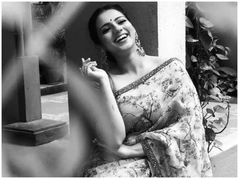 At this stage of my acting career, I don't suppose money is a priority anymore - Sruthi Hariharan