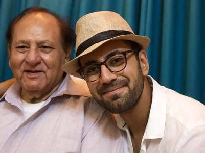 Karanvir gifts his father a mobile phone