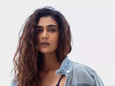 10 stylish pictures of Aakanksha Singh