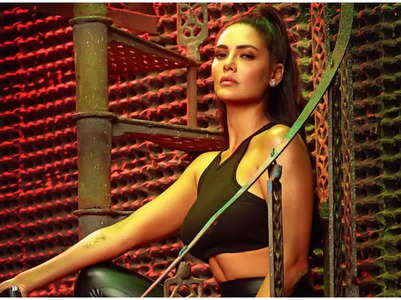 Esha Gupta opens up on her role in 'Nakaab'