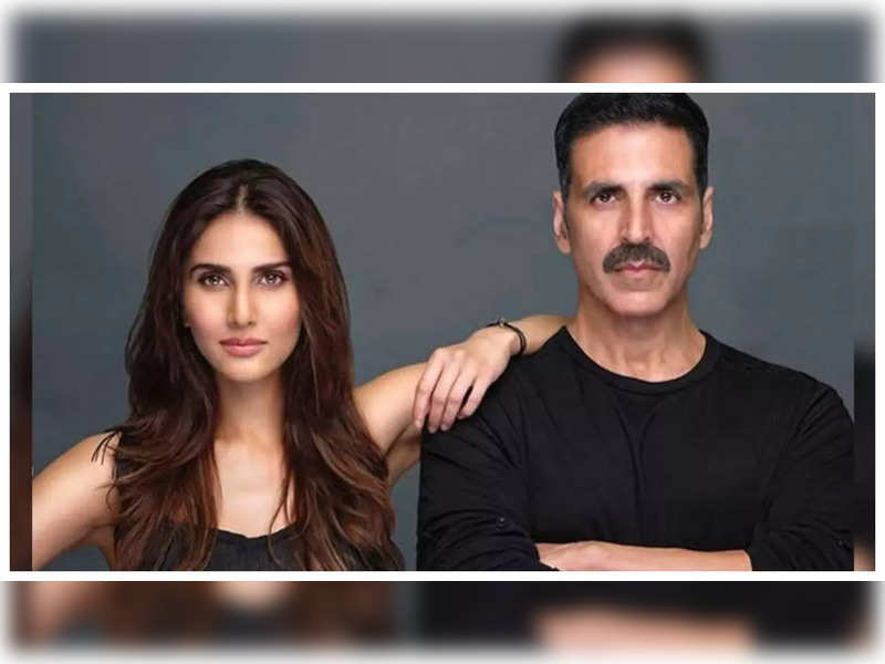 Vaani Kapoor shares a stunning BTS photo clicked on the sets of 'Bell Bottom' by co-star Akshay Kumar