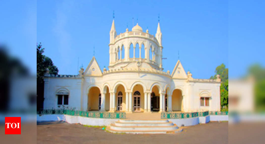 Experts for conservation and documentation of Sikh Architectural Heritage