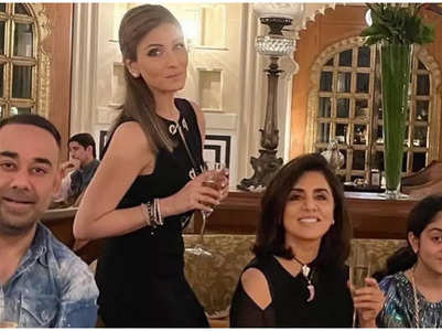 Inside videos from Riddhima's b'day bash