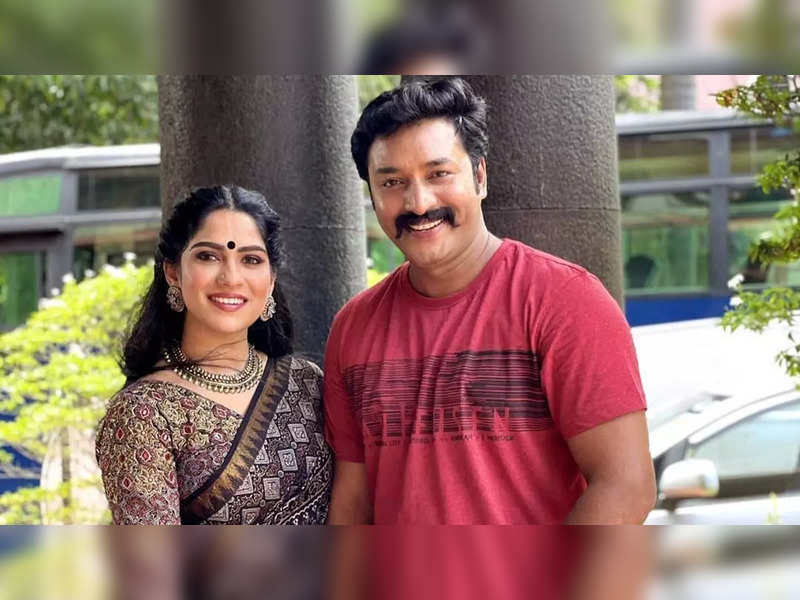 Seetha and Indran reunite in 'Red Carpet'; entertain with a romantic performance