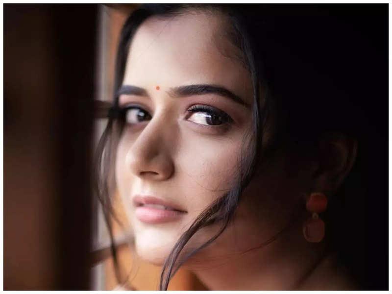 Image Courtesy: Ashika Ranganath's Instagram
