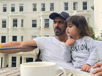 Arjun and Arik enjoy a blissful London view