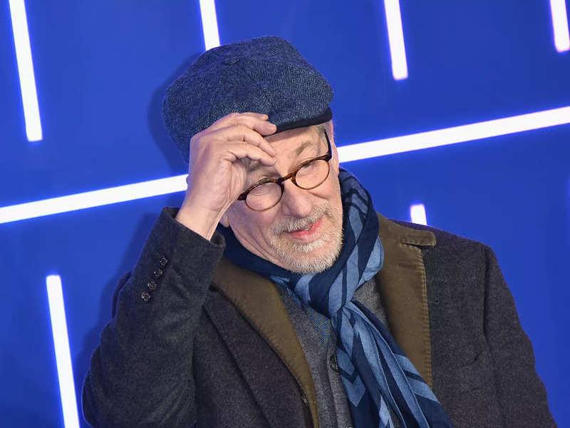 Rita Moreno will appear in a new role in Steven Spielberg's film.