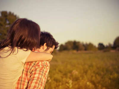 5 tips to dating your best friend